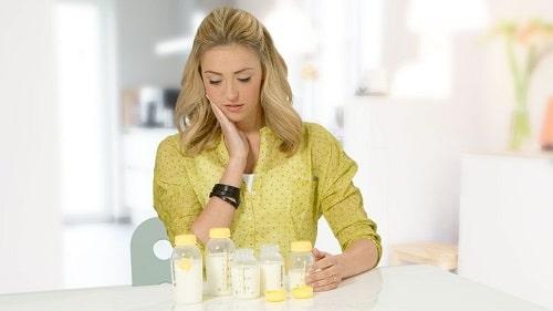 کاهش میزان شیر مادر در دوران پریودی