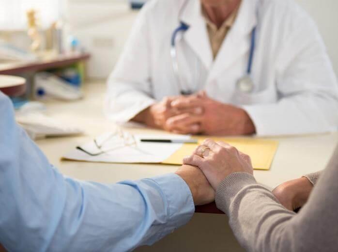 چه زمانی به پزشک مراجعه کنید